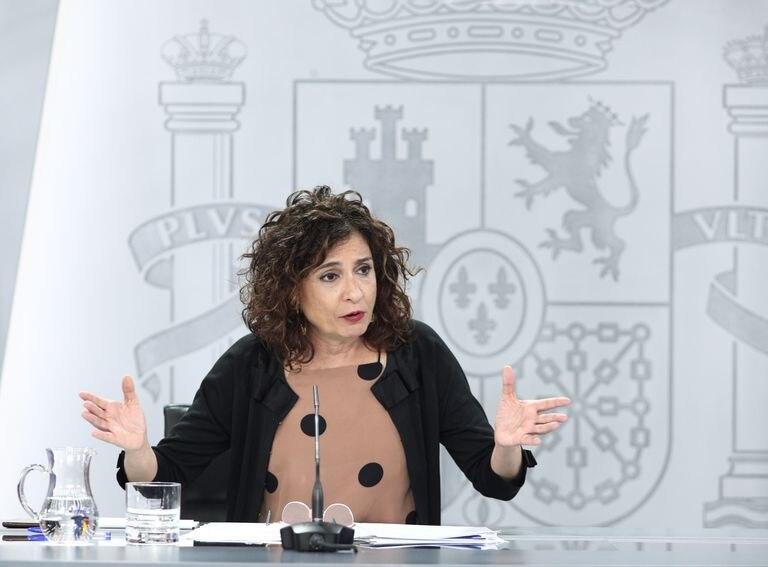 La ministra portavoz y de Hacienda, María Jesús Montero, este martes en La Moncloa durante su comparecencia en la rueda de prensa posterior al Consejo de Ministros .