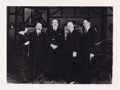 Blasco Ibáñez en Hollywood con el magnate de la Metro Marcus Loew, a su derecha.