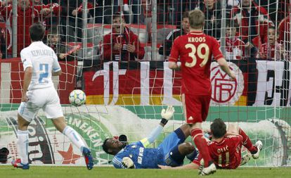 Olic, en el momento del primer gol del Bayern.