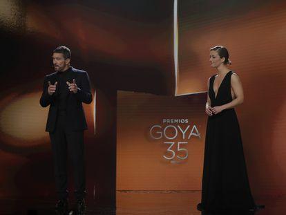 Antonio Banderas y María Casado, los presentadores de los Goya.