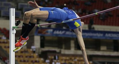 Bondarenko toca la barra en su intento por romper el récord del mundo
