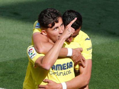Yeremi Pino celebra con Bacca su gol ante el Getafe este domingo en La Cerámica.