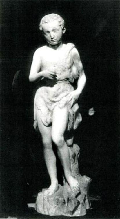 La escultura de 'San Juanito' atribuida a Miguel Ángel, antes de su destrucción en 1938.