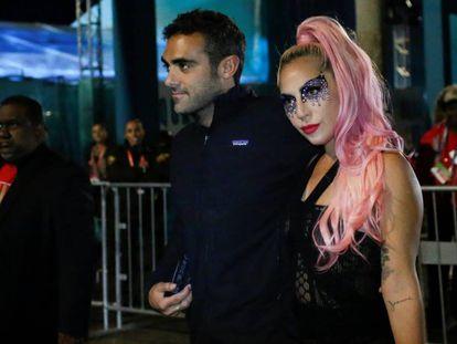 Lady Gaga y Michael Polansky, en la Super Bowl.