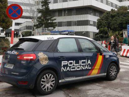 Un coche de la Policía Nacional, en una imagen de archivo.
