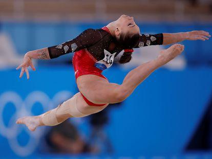 Roxana Popa, durante el ejercicio de suelo.