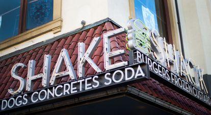 El letrero de uno de los restaurantes de Shake Shack en Washington, en una imagen de 2014.