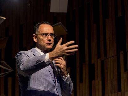 En el video, Pedro Baños habla sobre su libro El dominio mental.