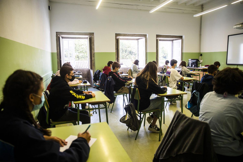 Alumnos en una clase del colegio público López Ferreiro de Santiago de Compostela.