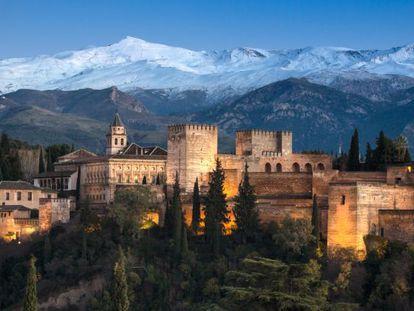 La Alhambra de Granada, el monumento más visitado de España.