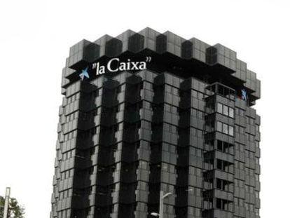 Agbar se suma a las empresas y bancos que han decido trasladar sus sedes sociales fuera de Cataluña. Las movilizaciones llamando al diálogo y la unidad en toda España han sido multitudinarias
