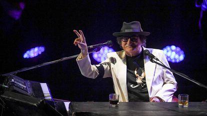 Charly García este sábado en el Centro Cultural Kirchner, durante un concierto por su 70 cumpleaños.