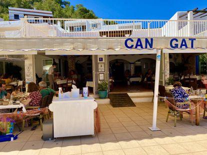 Restaurante Can Gat, en la cala de Sant Vicent. J.C. CAPEL