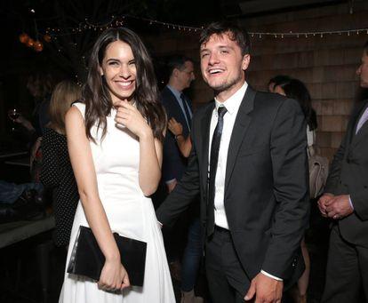 Claudia Traisac y Josh Hutcherson en el estreno de 'Escobar: paraíso perdido', la película en cuyo rodaje se conocieron.