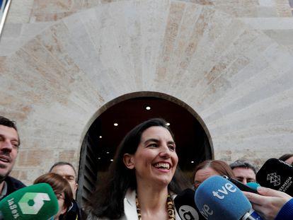 Rocío Monasterio, a las puertas de Les Corts Valencianes.