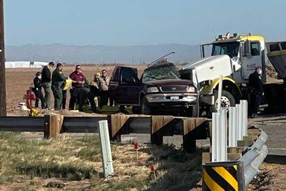 Escena del accidente múltiple en El Centro, California, donde al menos 14 personas han fallecido este martes.