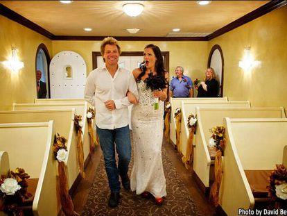 Branka Delic y Jon Bon Jovi, durante la boda.