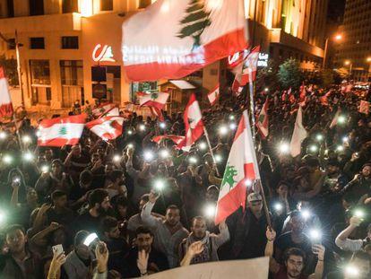 Manifestantes durante las protestas en Beirut, este viernes.
