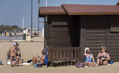 Imagen de la playa de la Malvarrosa, en Valencia, el pasado 26 de marzo.