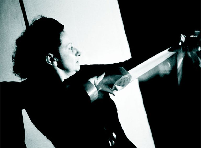 La artista Nieves Correa, durante una <i>performance</i>.