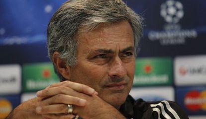 Mourinho, ayer durante la rueda de prensa