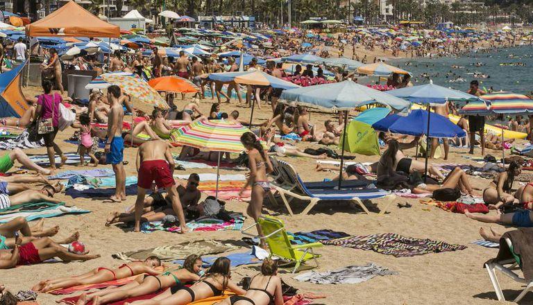 Una imagen de la playa de Lloret de Mar, el año pasado.