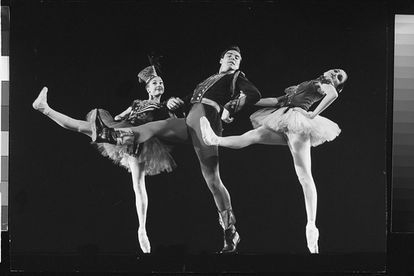 From left to right: dancers Suki Schorr, Jacques D'Amboise and Patricia McBride in 1958 during the production of 'Stars & Stripes', New York State Theater.