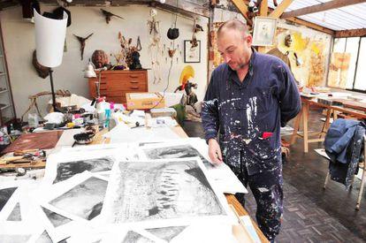 El pintor en su estudio.