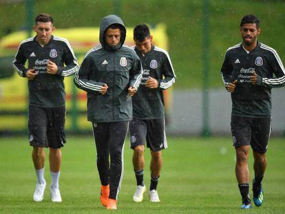 Herrera, Hernández, Lozano y Vela en un entrenamiento.