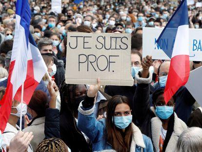 Estudiantes en la plaza de la República de París durante la manifestación en protesta por el asesinato del profesor Samuel Paty, en octubre pasado.