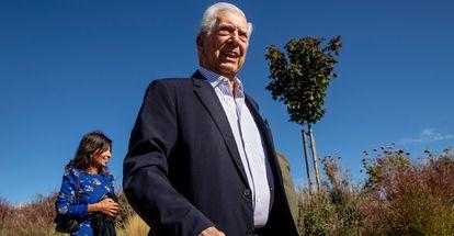 Mario Vargas Llosa, hoy viernes, en un encuentro cultural en San Lorenzo del Escorial (Madrid).