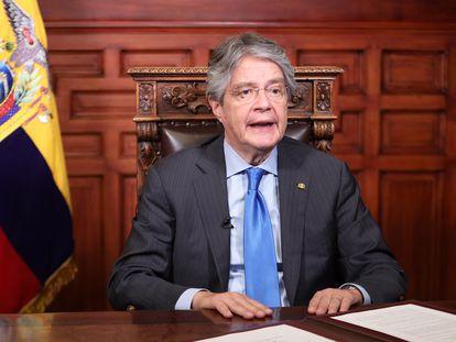 El presidente de Ecuador, Guillermo Lasso, este lunes durante su anuncio.