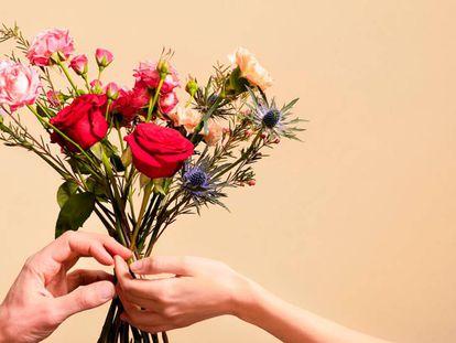 Seleccionamos 9 ramos de flores superventas que llegan a tiempo para regalar por San Valentín