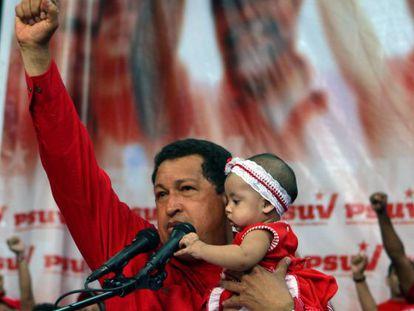 Hugo Chávez durante un acto electoral.