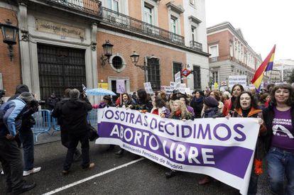 La reforma del aborto ha generado gran oposición ciudadana.