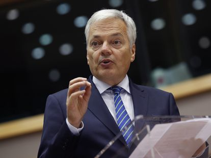 El comisario de Justicia, Didier Reynders, en el pleno del Parlamento Europeo, este lunes.