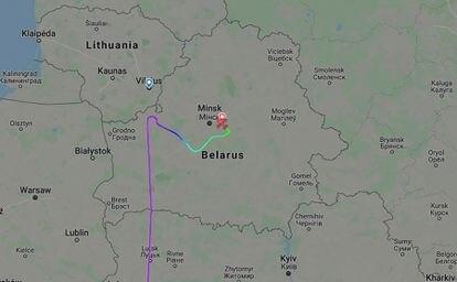 Trayectoria del vuelo de Ryanair 4978, que volaba de Atenas a Vilna, y que se desvió a Minsk este domingo.