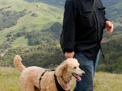 El escritor Gary Snyder, en un fotograma de la película 'La práctica de lo salvaje', de John J. Healey.