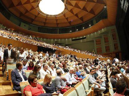 Patio de butacas del Maestranza en el concierto de José Mercé, quien clausuró la Bienal.