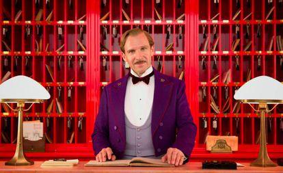 Ralph Fiennes en un fotograma de la película 'El Gran Hotel Budapest'.