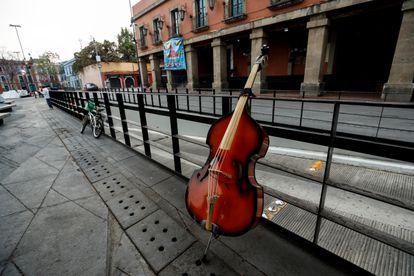 La plaza de Garibaldi, en Ciudad de México, desolada por la crisis del coronavirus