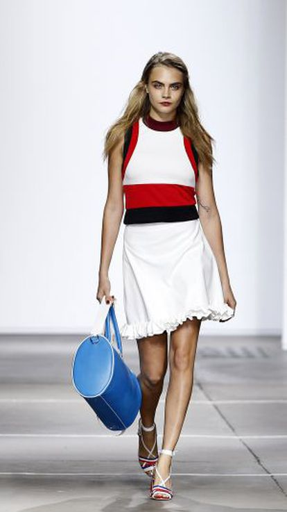 Cara Delevingne, en un desfile en la pasada semana de la moda  de Londres.