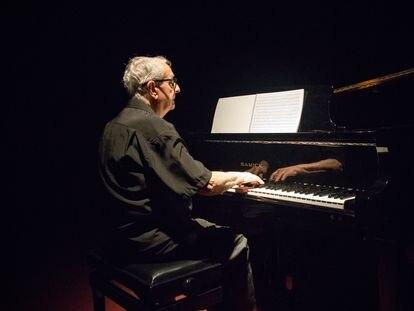 El pianista de la Filmoteca de Cataluña, Joan Pineda.