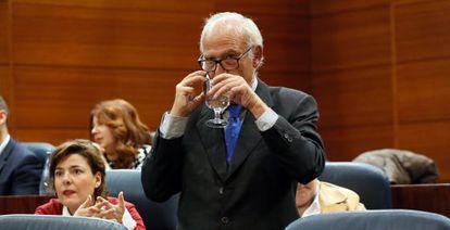 Juan Ignacio Echeverría durante su último pleno antes de presentar su dimisión como diputado en la Asamblea de Madrid