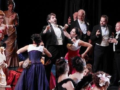 Un momento de La Traviata en el Gran Teatre del Liceu. Foto: Antoni Bofill