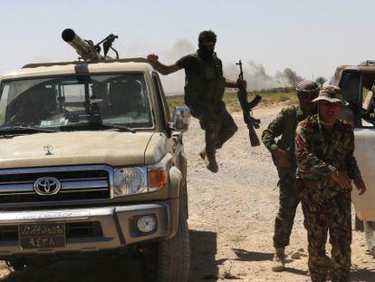 Combatientes kurdos en Buyuk Yeniga, Irak