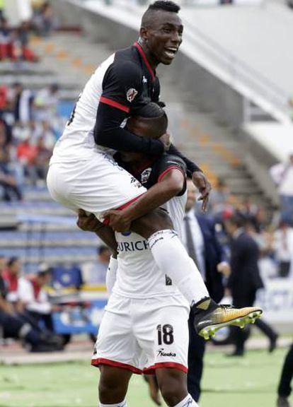 Quiñones celebra un gol contra Pachuca