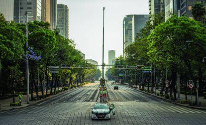 El paseo de la Reforma de la Ciudad de México, uno de los principales destinos de las inversiones españolas en el exterior, durante el confinamiento.