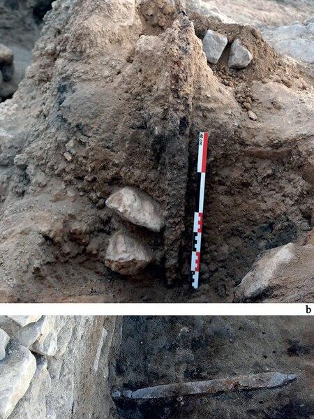 Dos espadas de época romana halladas en el yacimiento de Libisosa (Lezuza, Albacete)