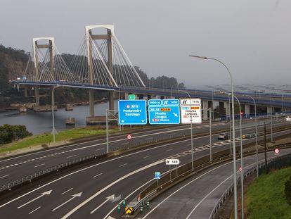 Vista de la AP-9 a su paso por Vigo (Pontevedra).